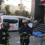 Choque de combi deja tres muertos en Atizapán - Choque de camioneta del transporte público en Atizapán. Foto Especial