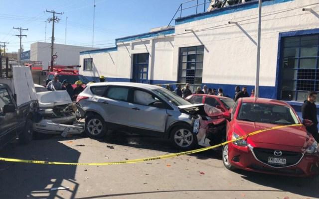 Hombre muere de un infarto al conducir y ocasiona carambola en Torreón - Conductor sufre infarto y provoca carambola en torreón