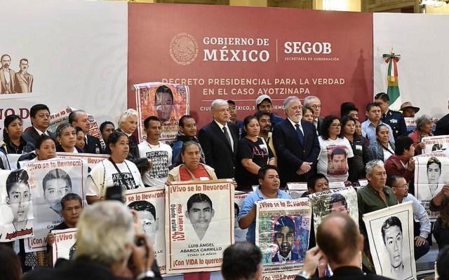 Comisión de la Verdad era obligación de Peña Nieto: Felipe de la Cruz - Reunión para firma del decreto que conformará la Comisión de la Verdad del Caso Iguala. Foto de Segob