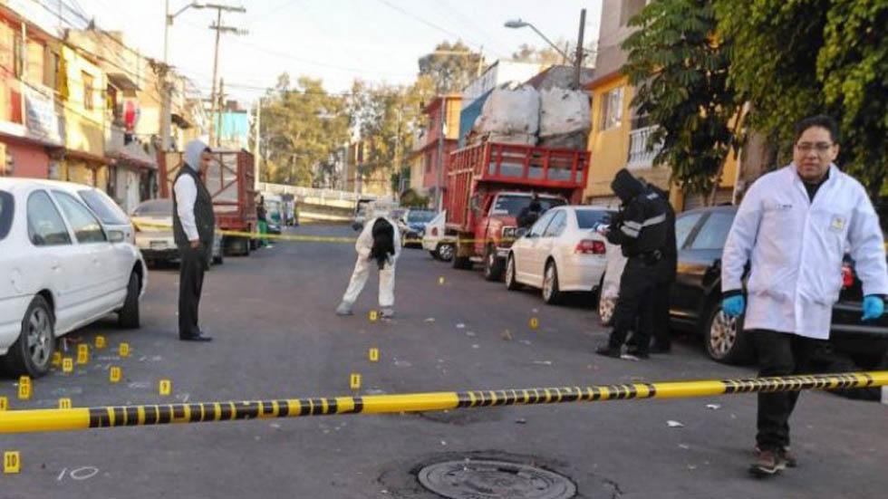Suman 103 mil 584 homicidios dolosos en lo que va del sexenio - Escena del crimen en Coyoacán. Foto de Archivo