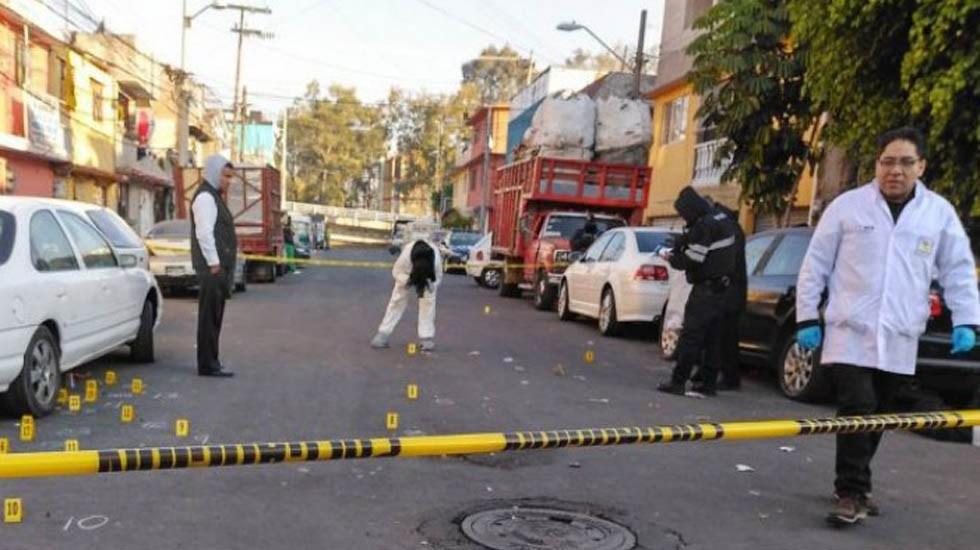 Suman 102 mil 253 homicidios dolosos en lo que va del sexenio - Escena del crimen en Coyoacán. Foto de Archivo