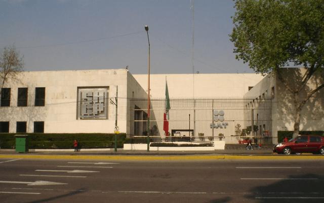 Hacienda bloquea cuentas de universidad pública por irregularidades - Edificio de Secretaría de Hacienda y Crédito Público. Foto de Wikicommons