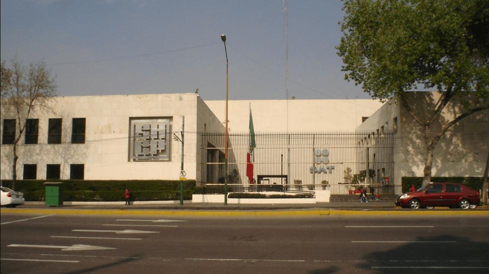 Hacienda suspende las contrataciones en el gobierno federal - Edificio de Secretaría de Hacienda y Crédito Público. Foto de Wikicommons