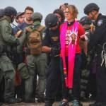 Patrulla Fronteriza detiene a 31 líderes religiosos en frontera con EE.UU. - Foto de AP