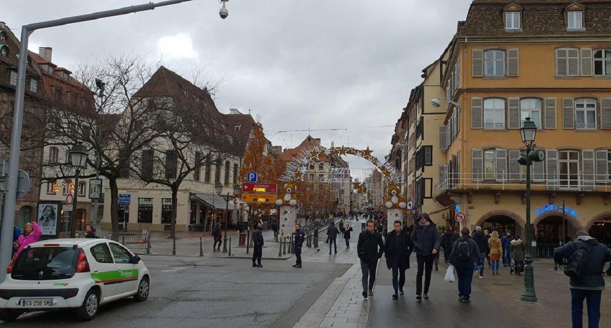 Lugar del atentado terrorista en Estrasburgo. Foto de @Diazualv