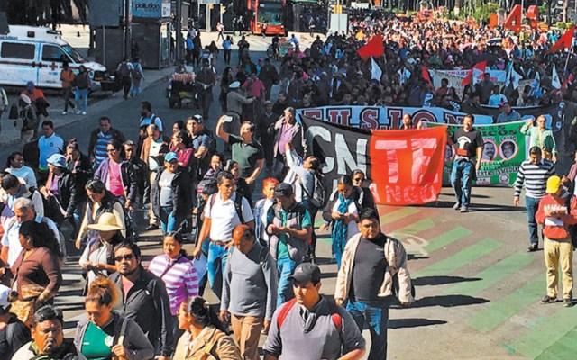 Amenaza la CNTE a López Obrador por reforma educativa - maestros llaman a no despertar al monstruo de la cnte