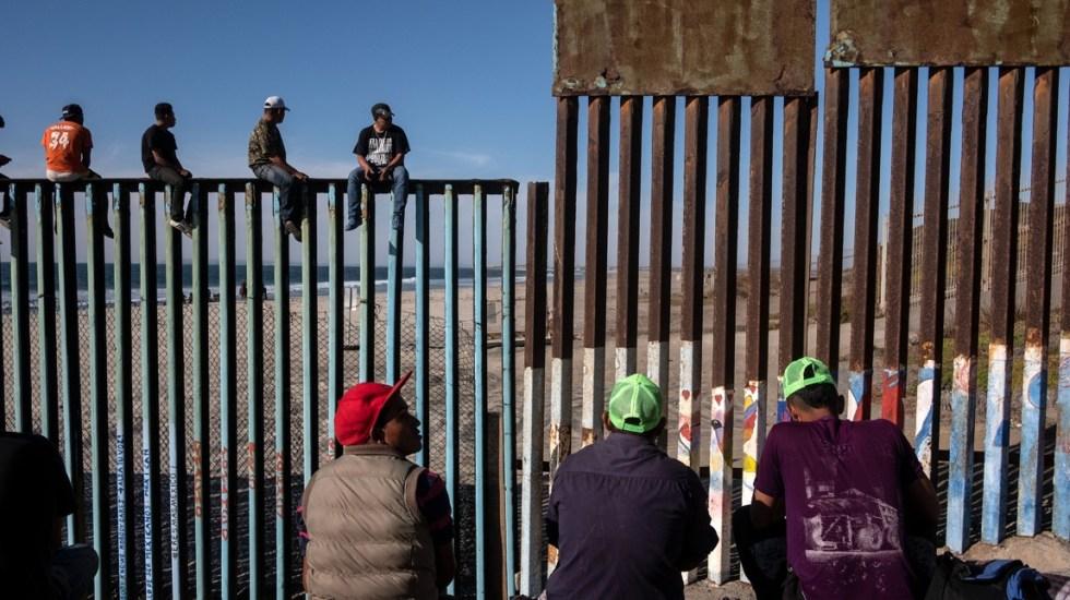 México permitirá que migrantes que buscan asilo en EE.UU. permanezcan en el país - Foto de AFP