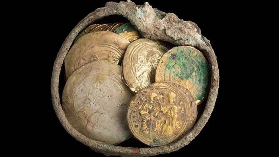 Hallan monedas de hace 900 años en Jerusalén - Monedas halladas en Parque de Cesárea. Foto de AAI