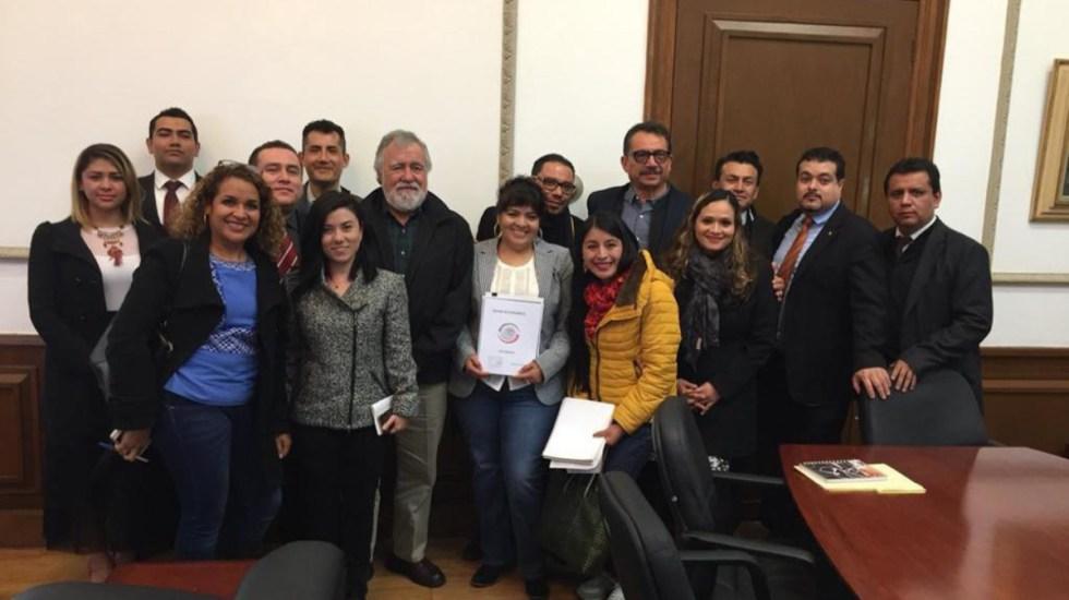 Nestora Salgado entrega a la Segob lista de presuntos presos políticos - Foto de Milenio