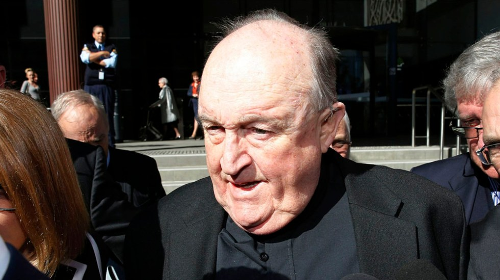 Anulan condena a exobispo acusado de encubrir abusos en Australia - Philip Wilson. Foto de AP