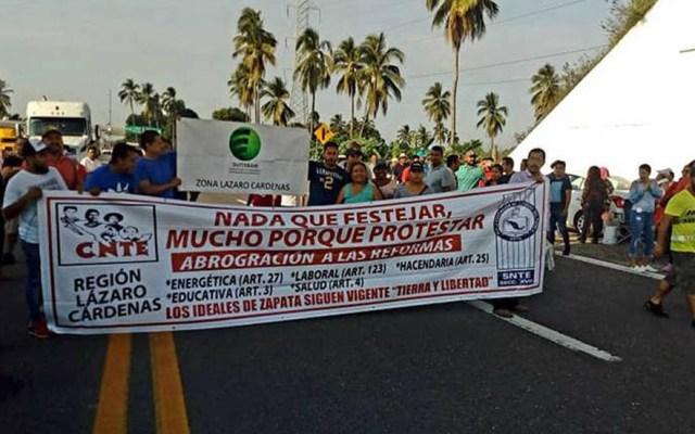 Cerradas el 10 por ciento de escuelas en Michoacán por paro magisterial - Protesta de la CNTE en Michoacán. Foto de Twitter