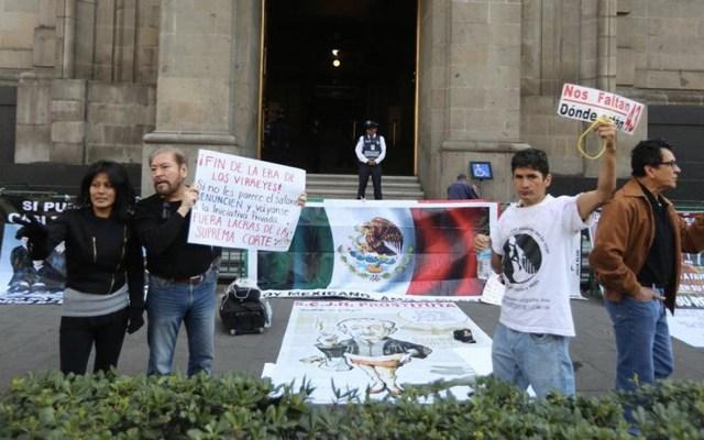 Protestan en la SCJN contra salarios de ministros - Foto de Milenio