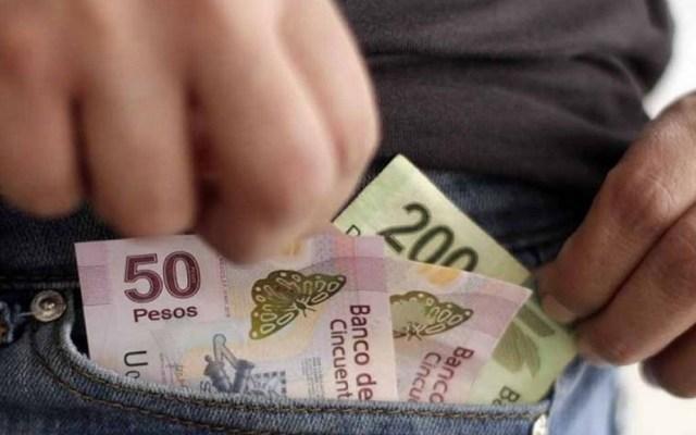 AMLO niega que aumento al salario mínimo provoque inflación - Salario. Foto de Internet