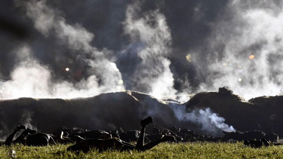 #Videos La tragedia de Tlahuelilpan - 66 personas murieron y 77 más se encuentran heridas por la explosión en Tlahuelilpan. Foto de AFP.