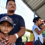Historias de migrantes que viajan junto a sus hijos - niños migrantes