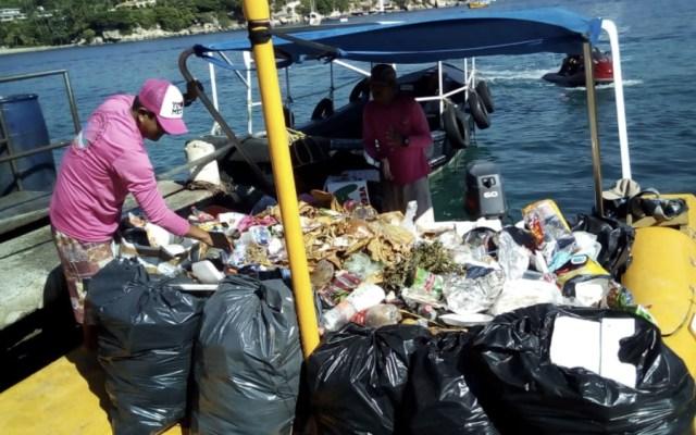 Dejan fiestas de año nuevo 400 toneladas de basura en Acapulco - Foto de @enfoqueinforma