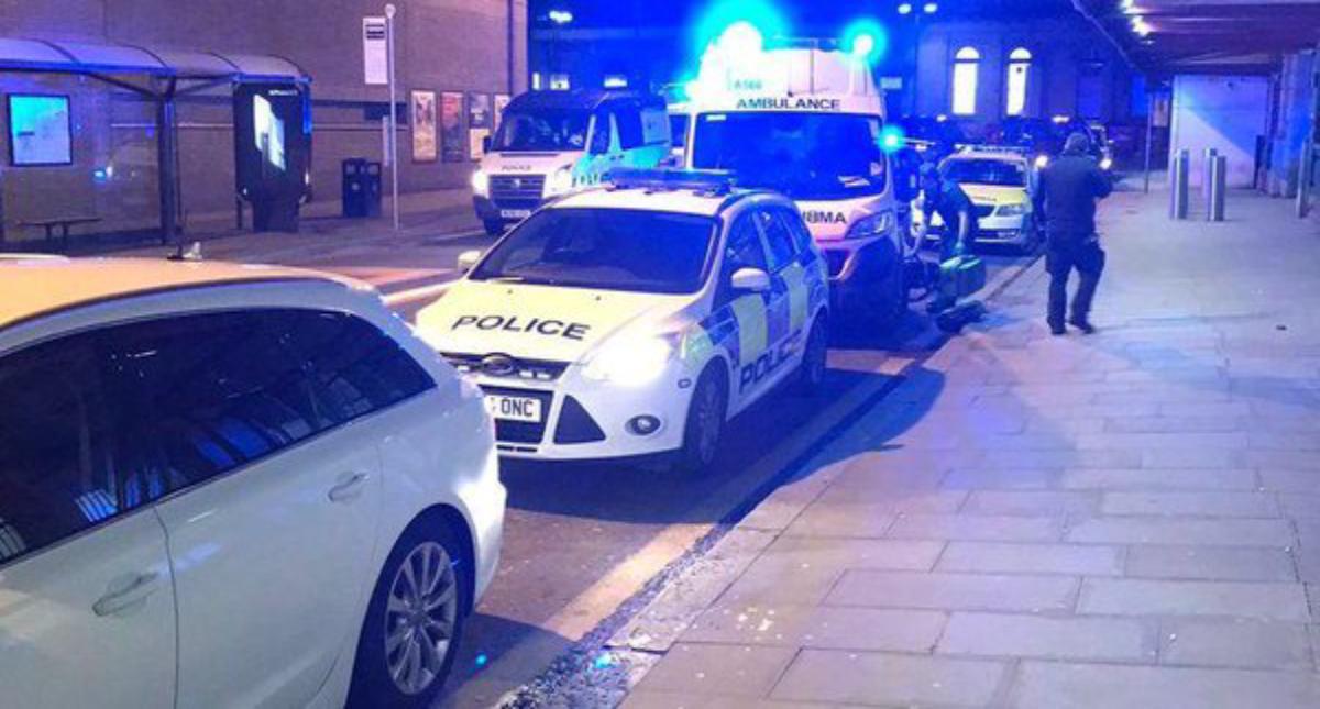 Tres heridos por un ataque con cuchillo en Manchester