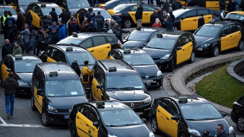 Huelga de taxistas en Barcelona deja siete detenidos - Foto de Josep Lago/AFP