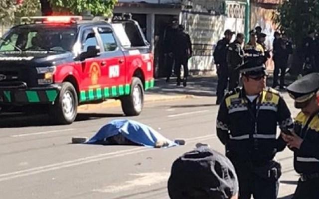 Persecución deja una mujer muerta en la Agrícola Oriental - Cadáver de mujer atropellada en la Agrícola Oriental. Foto de Twitter