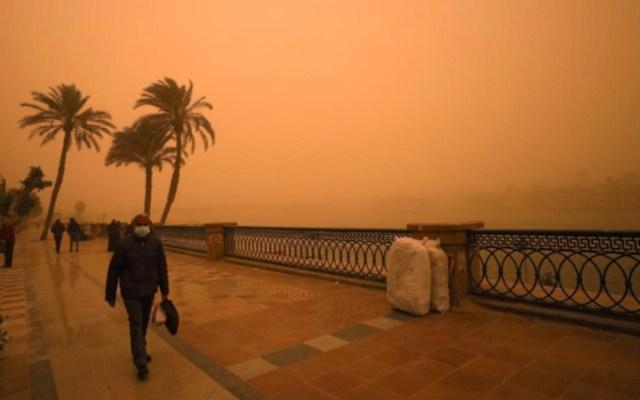 Tormenta de arena en El Cairo - Tormenta de arena en El Cairo. Foto de REUTERS/Abd El Ghany
