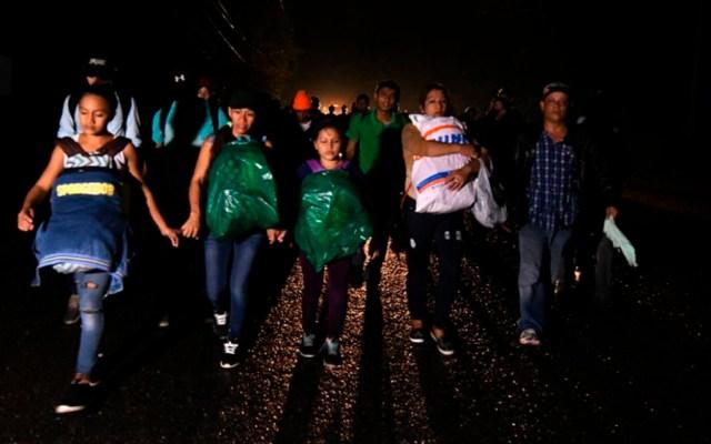 Hondureños parten en nueva caravana migratoria hacia EE.UU. - Foto de ORLANDO SIERRA / AFP