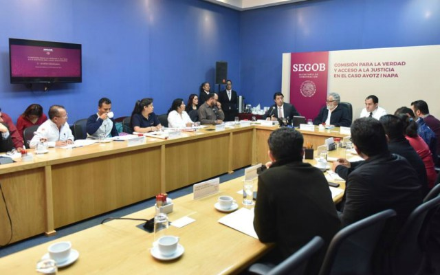 Comisión del Caso Ayotzinapa aprueba lineamientos de operación - Foto de Alejandro Encinas