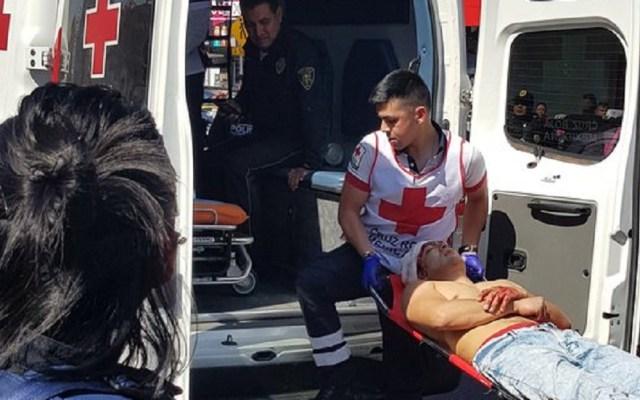 Se desata balacera en Ribera de San Cosme por asalto - Delincuente herido en la Ribera de San Cosme. Foto de @soyunhoms