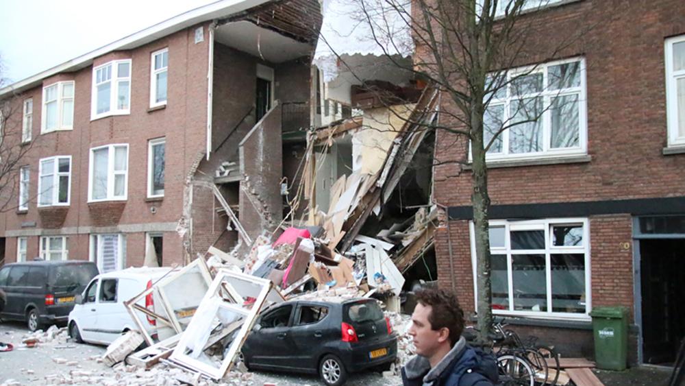 #Video Explosión derrumba departamentos en La Haya - Explosión en departamentos, en La Haya. Foto de @RedactieD8