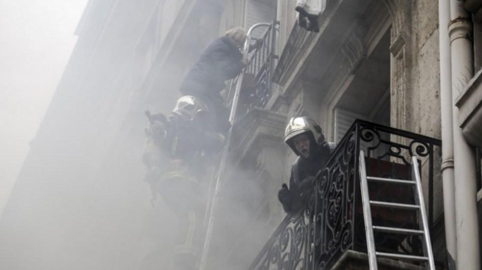 Explosión deja tres muertos en edificio de París - Foto de Thomas SAMSON / AFP