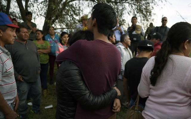 Familiares exigen vivos o muertos a víctimas de Tlahuelilpan - Familiares de víctimas de explosión en Tlehuelilpan. Foto de AFP / Alfredo Estrella