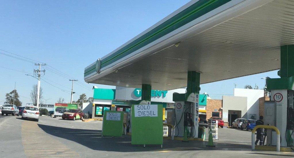 Prevén que abasto de gasolinas se normalice el viernes - Foto de @ciudad_poder