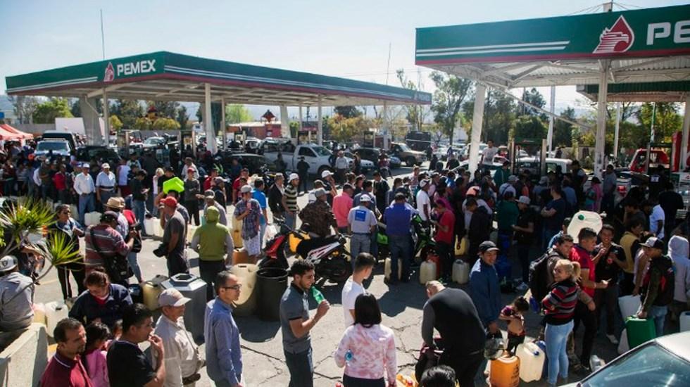 Solo cinco gasolineras ofrecen servicio en Morelia - Foto de ENRIQUE CASTRO  / AFP