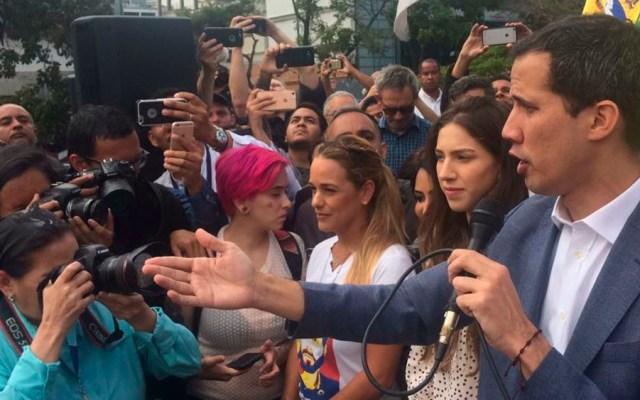 Guaidó reconoce conversaciones con funcionarios de Maduro - Foto de @AsambleaVE