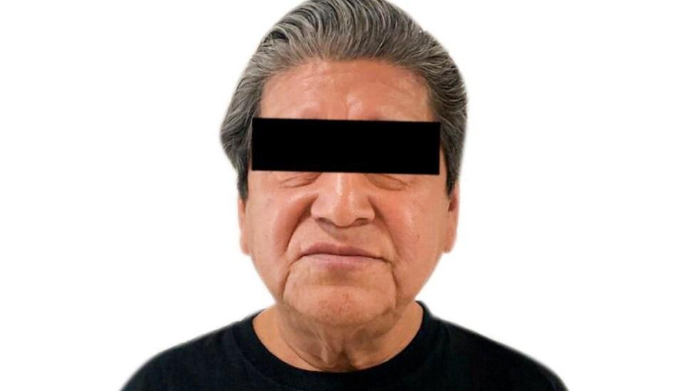 Detienen en el AICM a hombre acusado de secuestro - Foto de Twitter PGR