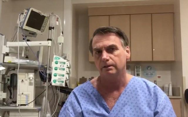 Bolsonaro reasume presidencia de Brasil desde hospital