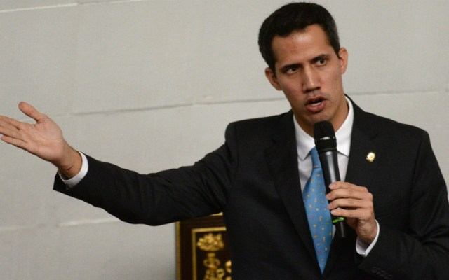 "EE.UU. advierte ""serias consecuencias"" si dañan a Guaidó - Juan Guaidó. Foto de AFP"