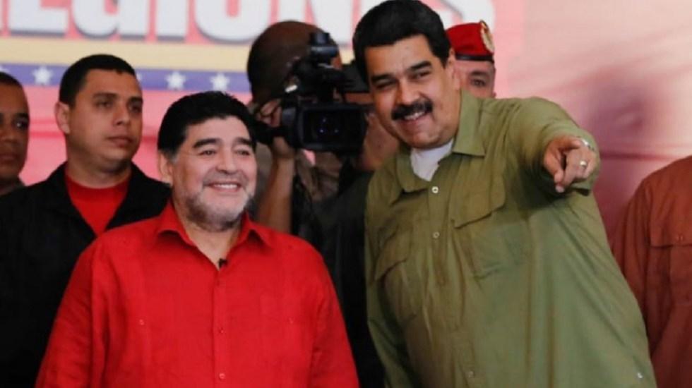 """""""Hoy, más que nunca, con el presidente Nicolás Maduro"""": Maradona - Foto de Internet"""