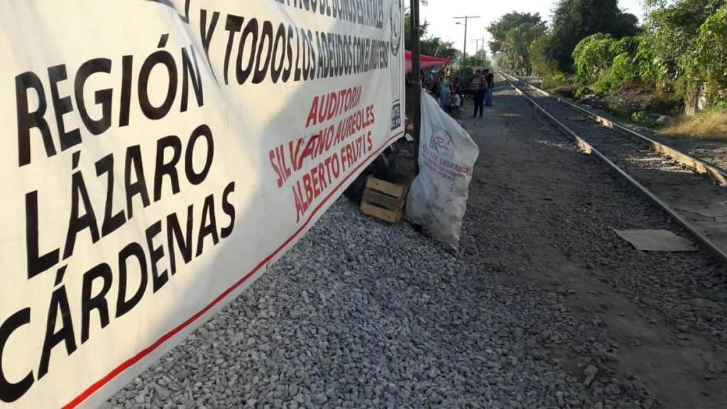 No han salido trenes de Lázaro Cárdenas por bloqueo: Aiemac - Foto de Quadratín