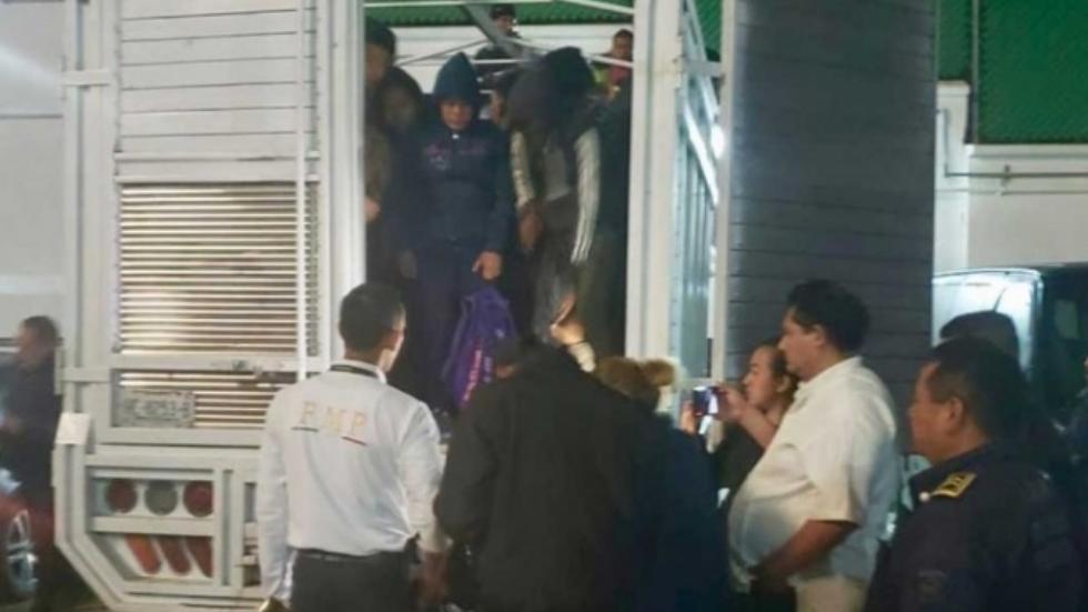 Rescatan a 114 migrantes en Tuxtla Gutiérrez y detienen a cuatro - Foto de Excélsior
