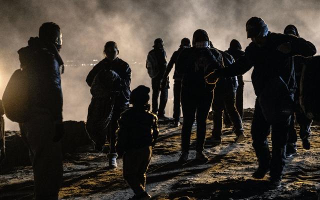Investigan nuevo incidente con gases en la frontera de California - Foto de AFP