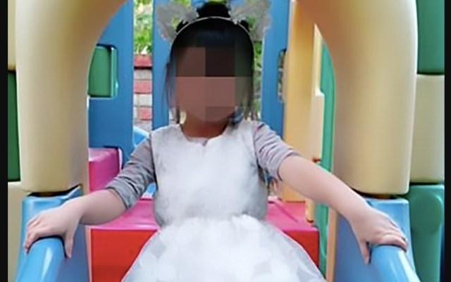 Niña de tres años muere por ponerse manguera de alta presión en la boca - Foto de Daily Mail