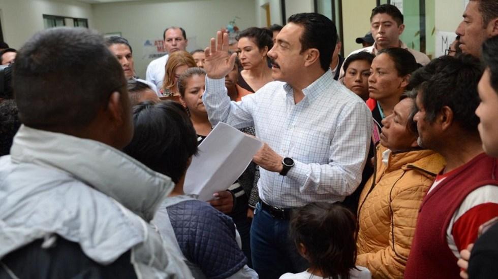 Van 94 muertos por explosión de ducto: Omar Fayad - Omar Fayad se reúne con familiares de víctimas de Tlahuelilpan. Foto de Notimex