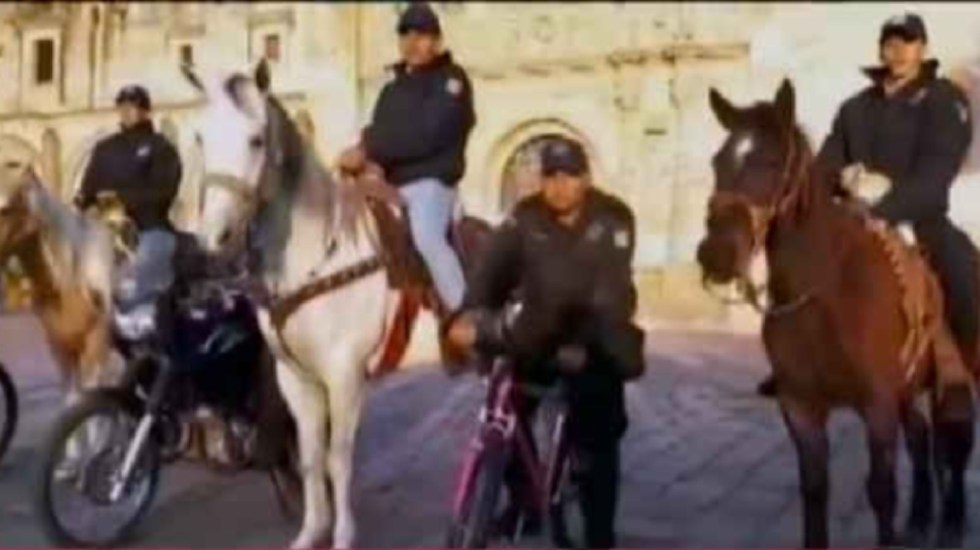 Policías en Guanajuato patrullan a caballo por desabasto de gasolina - policías a caballo guanajuato