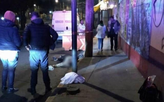 Arrojan de microbús a asaltante y muere atropellado - Presunto asaltante muerto por atropello. Foto de Excélsior