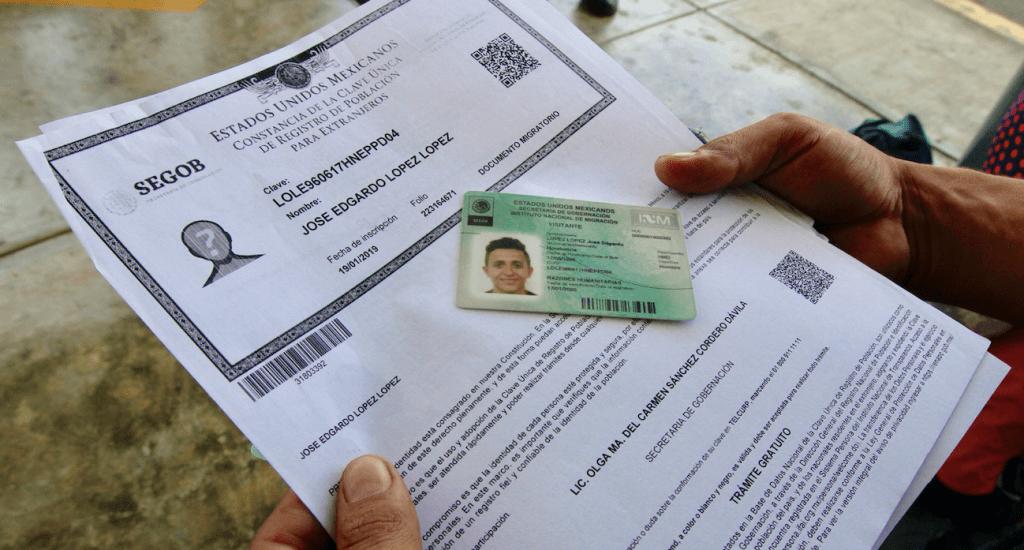 INM ha emitido más de 10 mil tarjetas de visitante a migrantes - Foto de Notimex