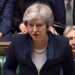 Theresa May destaca caída del califato del Estado Islámico - Theresa May. Foto de HO / PRU / AFP.
