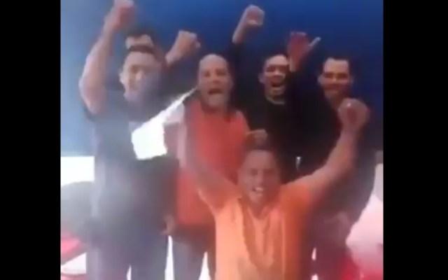 #Video Venezolanos ofrecen a Trump construir muro con México - Venezolanos. Captura de pantalla