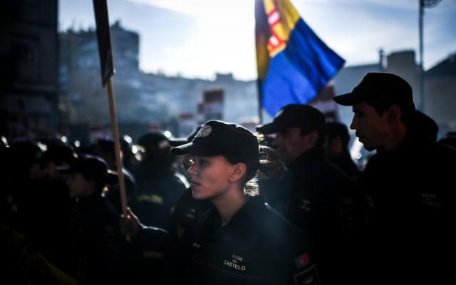 Protestas en Lisboa. - Bomberos protestan contra las reformas al estatus laboral en Portugal. Foto de AFP.