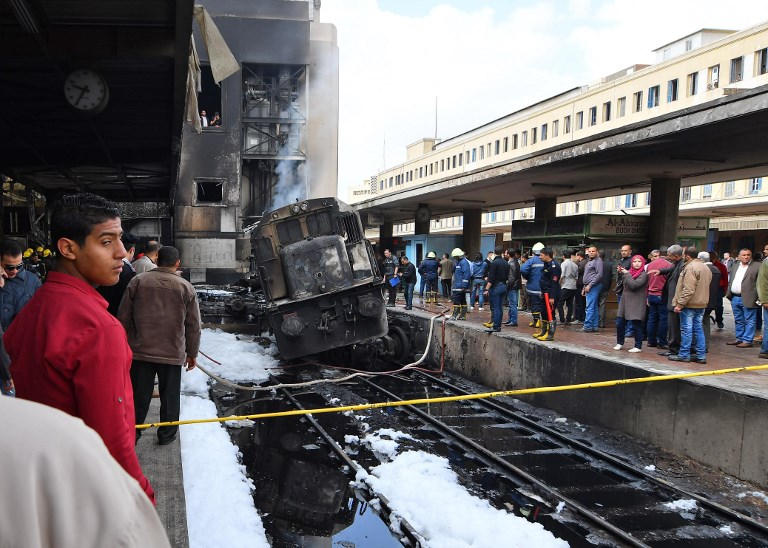 Tragedia en El Cairo por choque de tren y explosión en estación