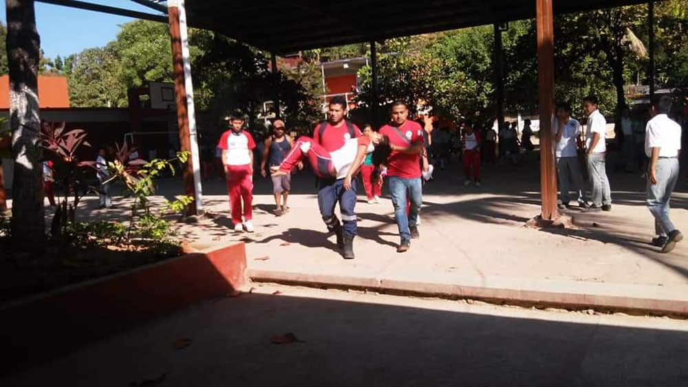 Padres de alumnos intoxicados en Guerrero afirman que fueron drogados. Noticias en tiempo real
